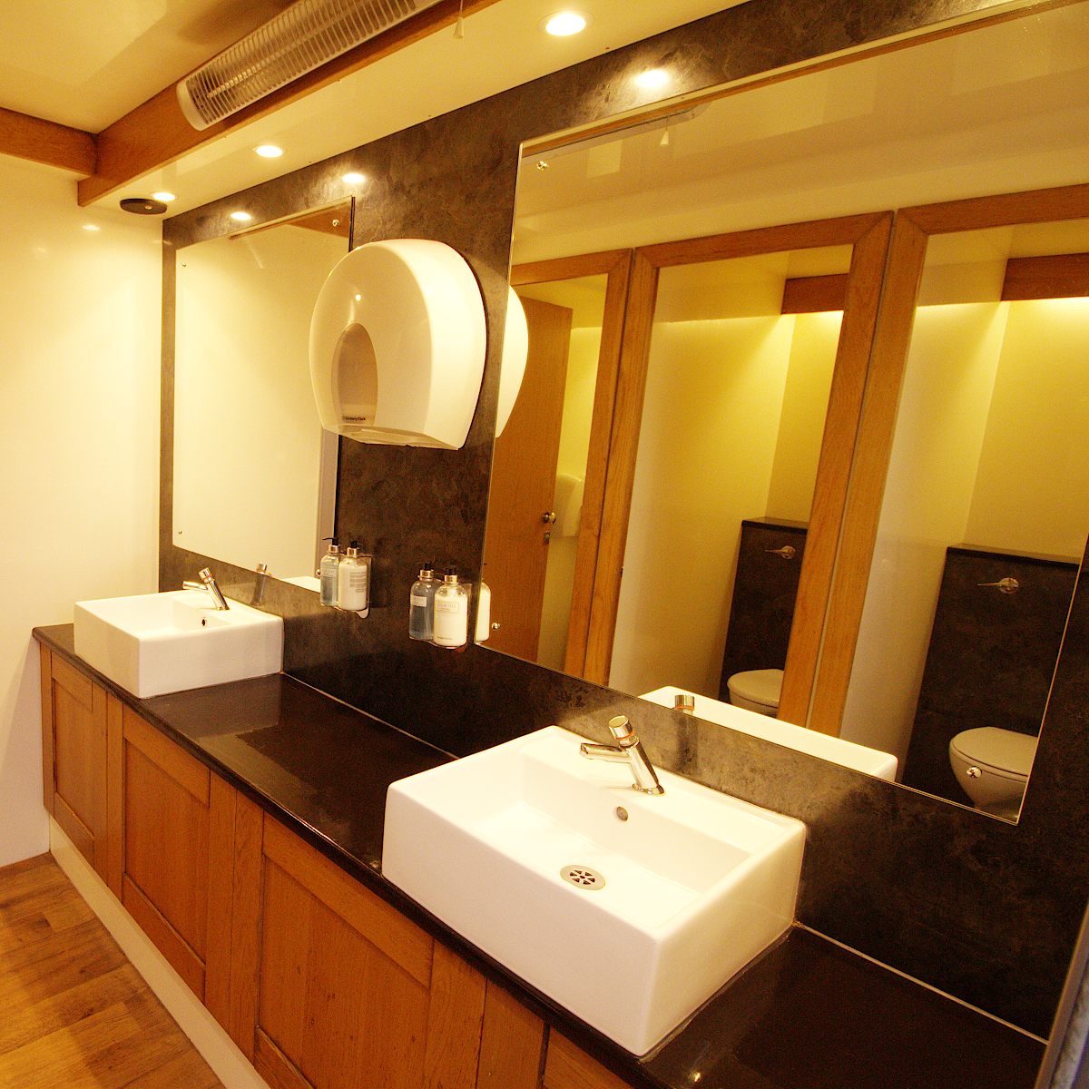Small events Luxury Toilet Hire and Delivery