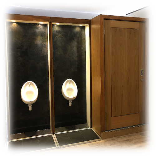 Hullabaloos luxury WC setup with urinals and toilet units